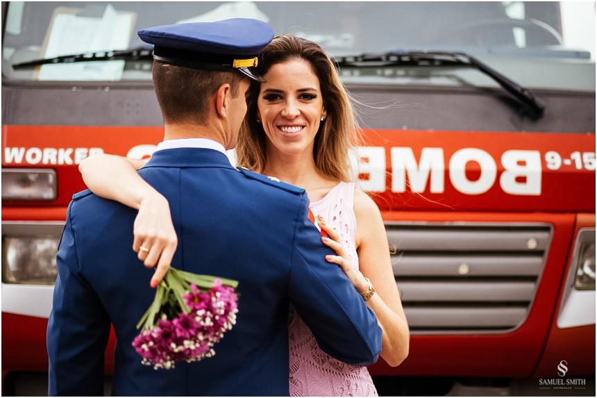 casal-de-bombeiros-noivos-bombeiros-ensaio-de-bombeiros-noivos-militar-casal-militar-pre-casamento-ensaio-fotografico-noivos-florianopolis-sc-fotografo-de-casamento-sc-9