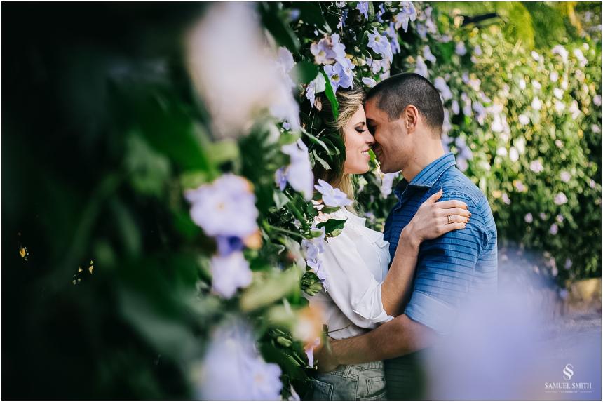 fotos-noivos-pre-casamento-sessao-fotografica-ensaio-pre-wedding-praia-do-rosa-imbituba-sc-fotografo-de-casamento-samuel-smith-2