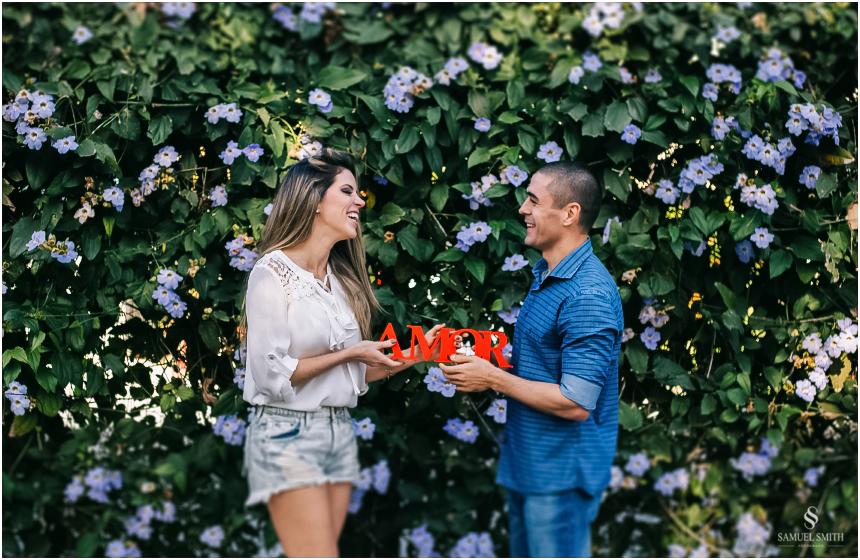 fotos-noivos-pre-casamento-sessao-fotografica-ensaio-pre-wedding-praia-do-rosa-imbituba-sc-fotografo-de-casamento-samuel-smith-6