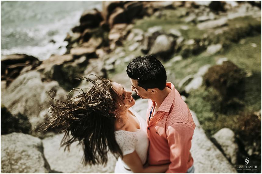 book-pre-casamento-noivos-fotos-de-casal-pre-wedding-guarda-do-embau-laguna-sc-fotografo-samuel-smith-16