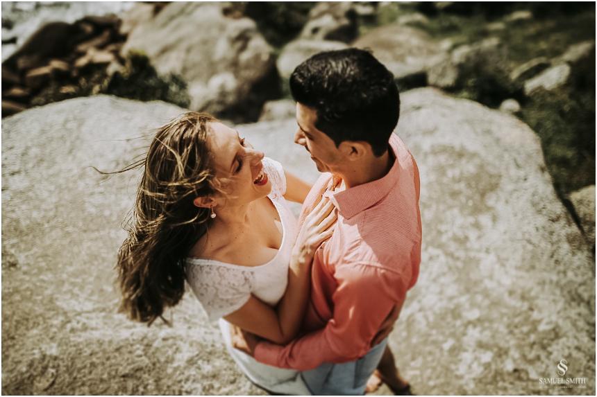 book-pre-casamento-noivos-fotos-de-casal-pre-wedding-guarda-do-embau-laguna-sc-fotografo-samuel-smith-17
