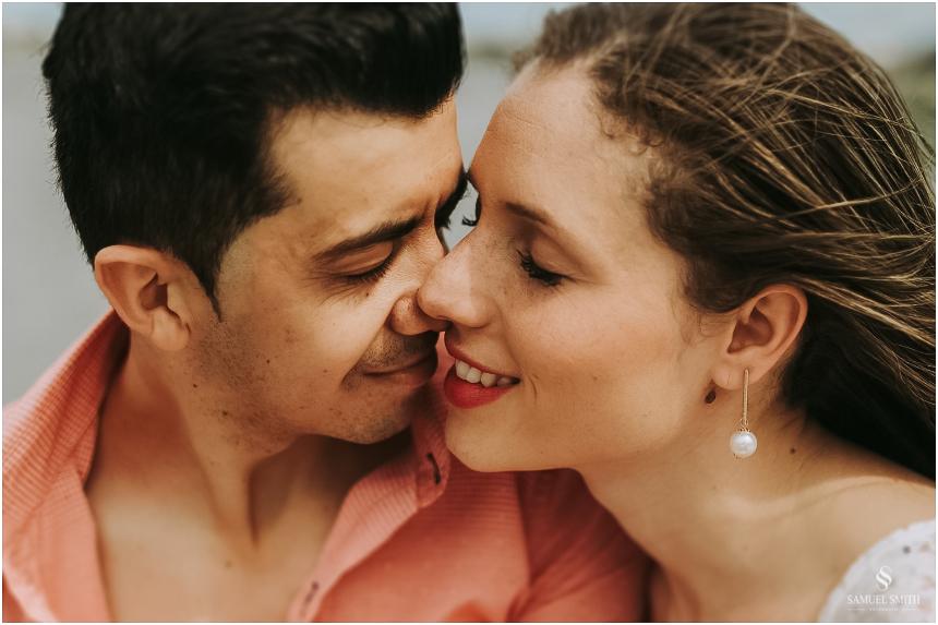 book-pre-casamento-noivos-fotos-de-casal-pre-wedding-guarda-do-embau-laguna-sc-fotografo-samuel-smith-2