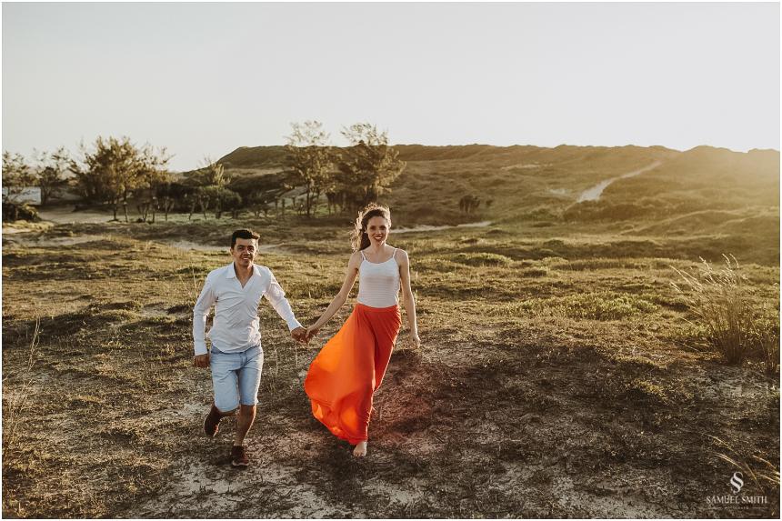 book-pre-casamento-noivos-fotos-de-casal-pre-wedding-guarda-do-embau-laguna-sc-fotografo-samuel-smith-31