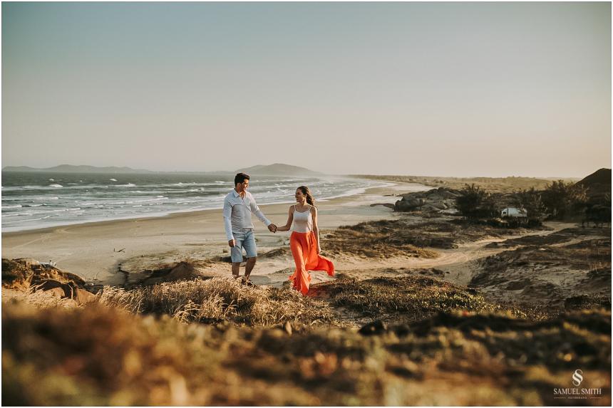 book-pre-casamento-noivos-fotos-de-casal-pre-wedding-guarda-do-embau-laguna-sc-fotografo-samuel-smith-34