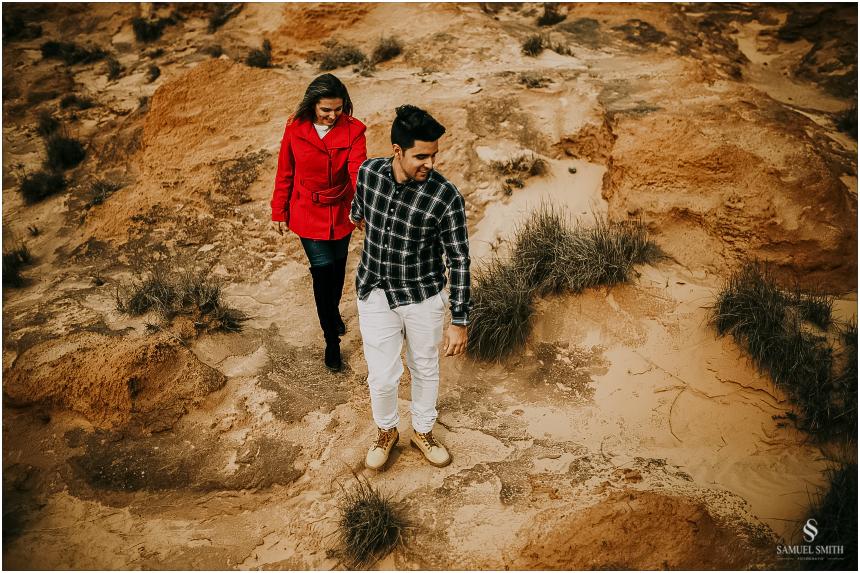 fotos-noivos-pre-casamento-sessao-fotografica-ensaio-pre-wedding-praia-farol-de-santa-marta-sc-fotografo-de-casamento-samuel-smith-17