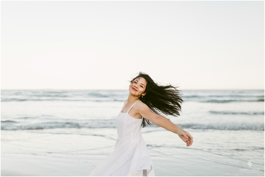 ensaio-fotografico-feminino-book-fotos-retratos-mulheres-laguna-sc-praia-fotografo-samuel-smith-19