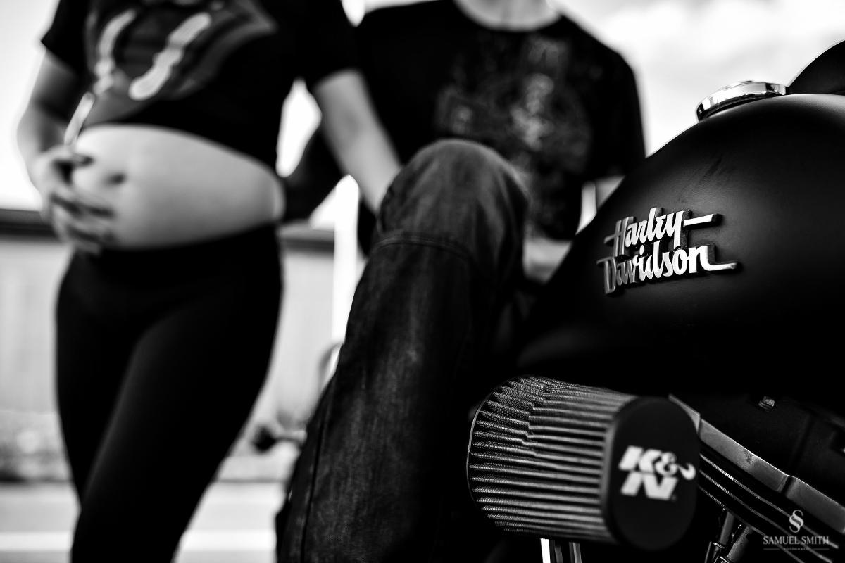 book gestante ensaio fotográfico grávida fotos ideias casal rock motoqueiro fotógrafo palhoça sc florianópolis (29)