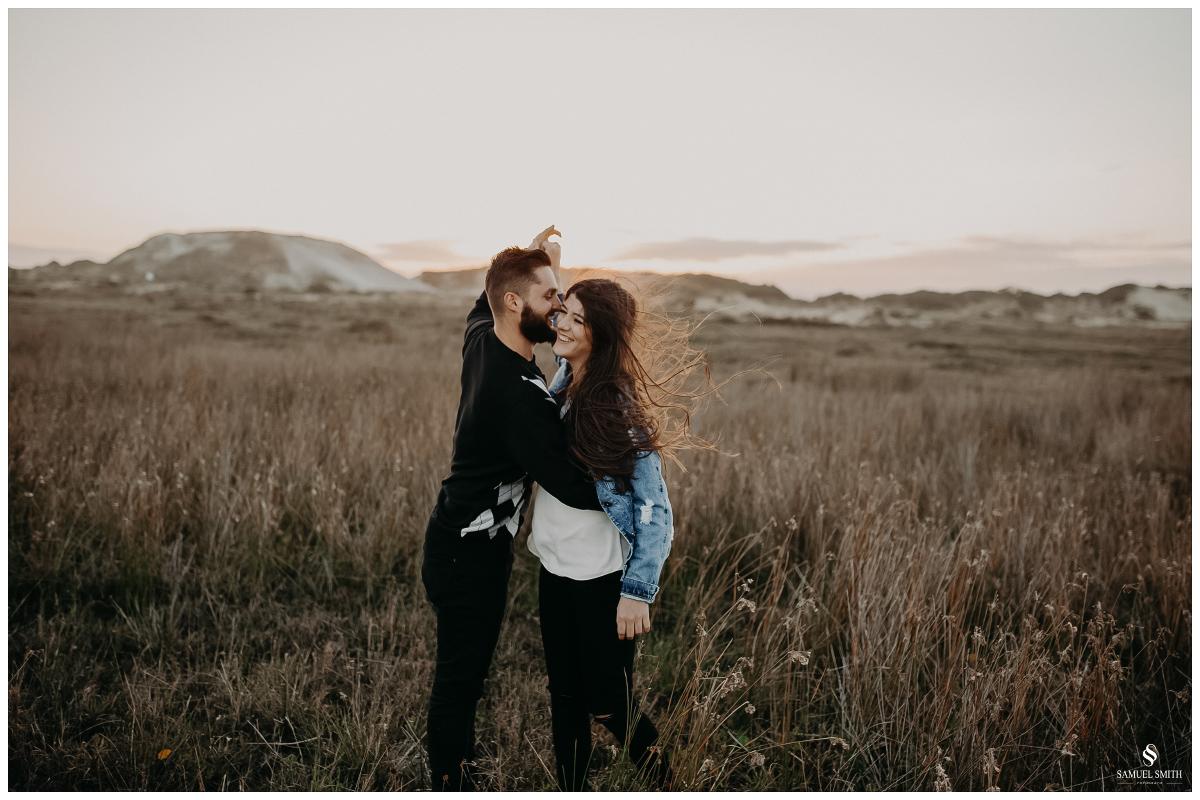 book casal laguna sc ensaio fotográfico namorados sessão de fotos praia farol de santa marta fotógrafo samuel smith (41)