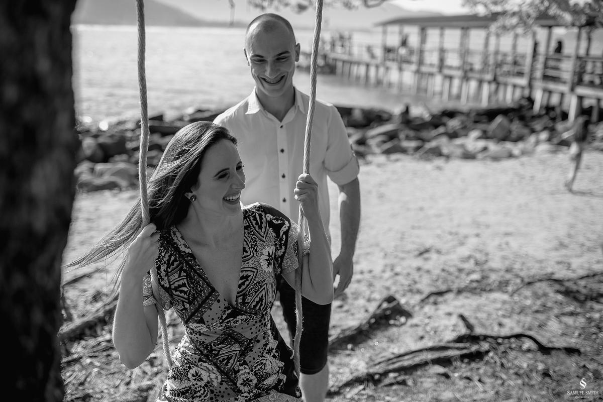 ensaio fotográfico casal pré casamento florianópolis sc praia da armação ribeirão da ilha fotos fotógrafo samuel smith (10)