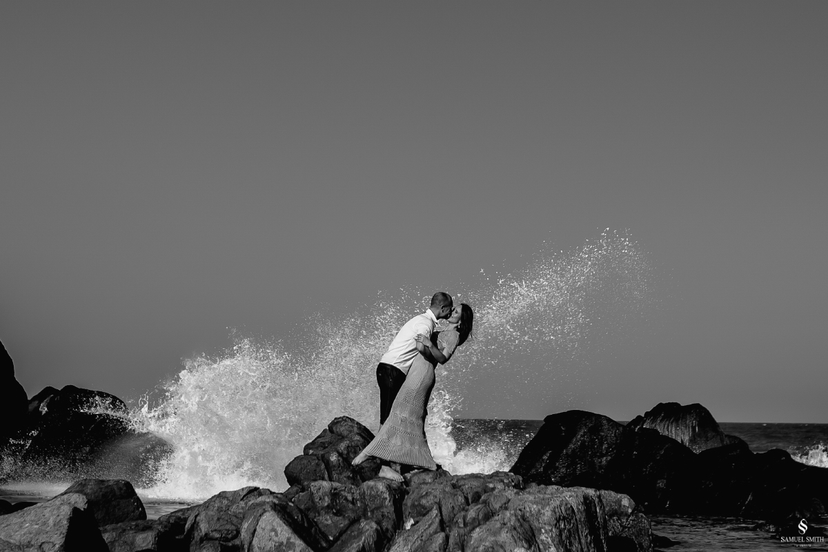 ensaio fotográfico casal pré casamento florianópolis sc praia da armação ribeirão da ilha fotos fotógrafo samuel smith (11)