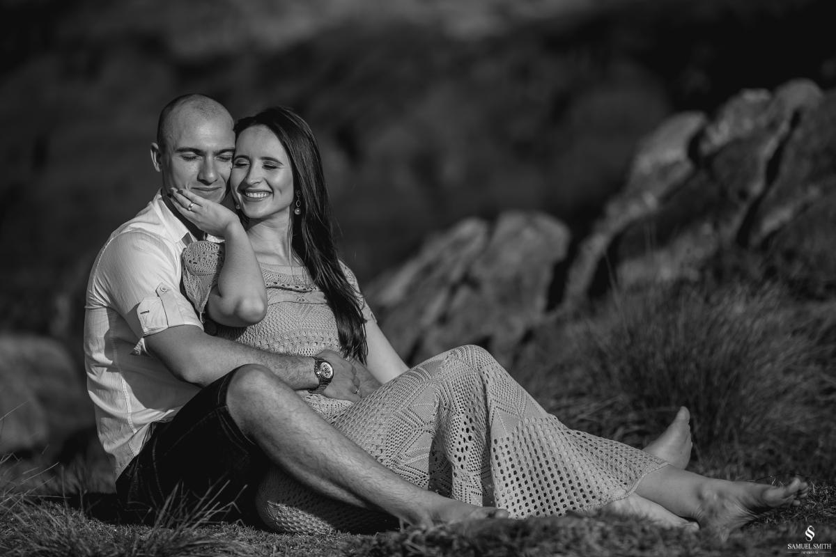 ensaio fotográfico casal pré casamento florianópolis sc praia da armação ribeirão da ilha fotos fotógrafo samuel smith (13)