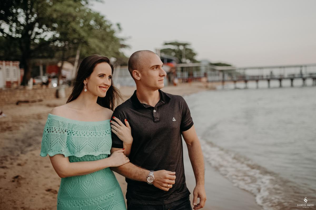 ensaio fotográfico casal pré casamento florianópolis sc praia da armação ribeirão da ilha fotos fotógrafo samuel smith (19)