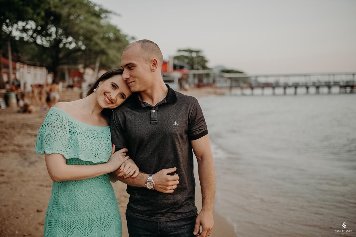 ensaio fotográfico casal pré casamento florianópolis sc praia da armação ribeirão da ilha fotos fotógrafo samuel smith (20)