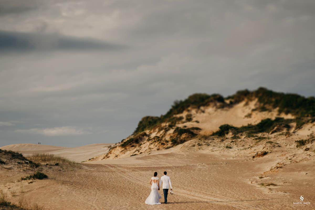 casamento ensaio fotográfico florianópolis praia da joaquina bombeiros floripa book casal noivos fotógrafo (11)