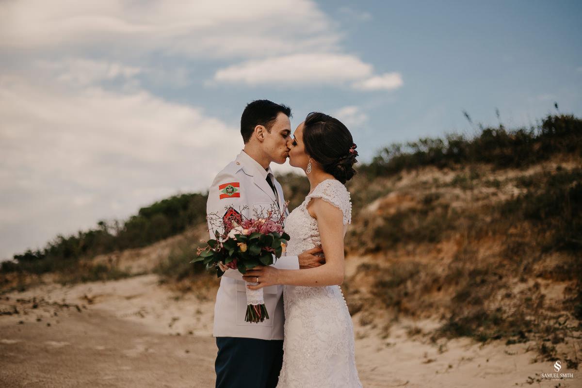 casamento ensaio fotográfico florianópolis praia da joaquina bombeiros floripa book casal noivos fotógrafo (15)