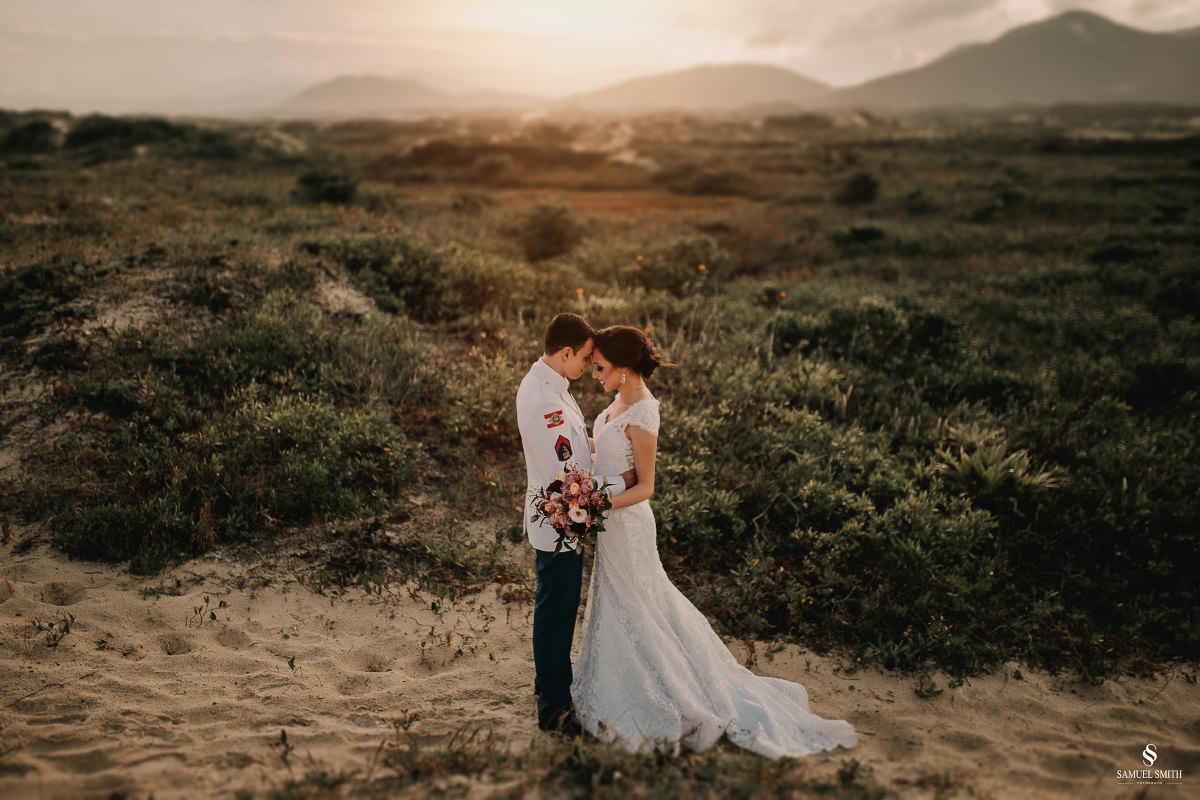 casamento ensaio fotográfico florianópolis praia da joaquina bombeiros floripa book casal noivos fotógrafo (18)