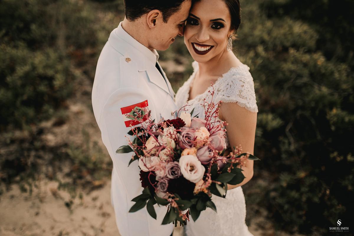 casamento ensaio fotográfico florianópolis praia da joaquina bombeiros floripa book casal noivos fotógrafo (20)