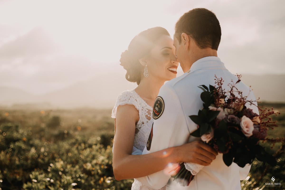 casamento ensaio fotográfico florianópolis praia da joaquina bombeiros floripa book casal noivos fotógrafo (21)