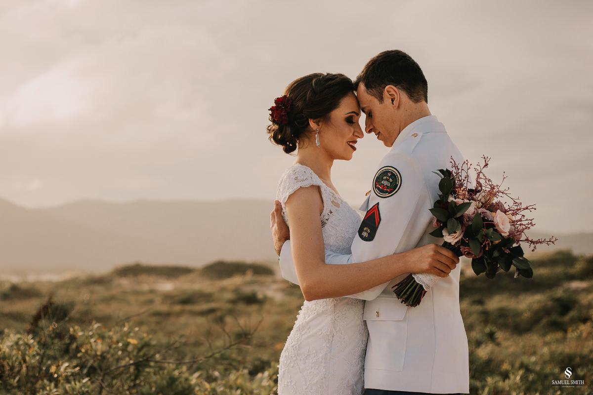 casamento ensaio fotográfico florianópolis praia da joaquina bombeiros floripa book casal noivos fotógrafo (22)