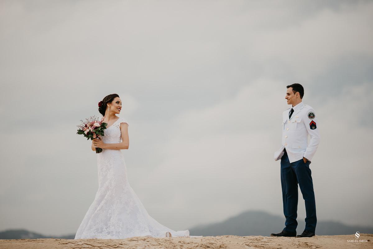 casamento ensaio fotográfico florianópolis praia da joaquina bombeiros floripa book casal noivos fotógrafo (26)