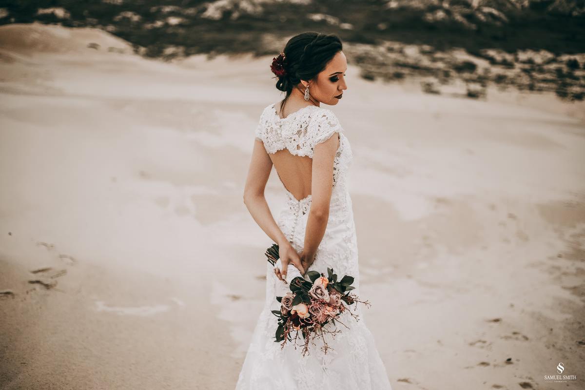 casamento ensaio fotográfico florianópolis praia da joaquina bombeiros floripa book casal noivos fotógrafo (32)