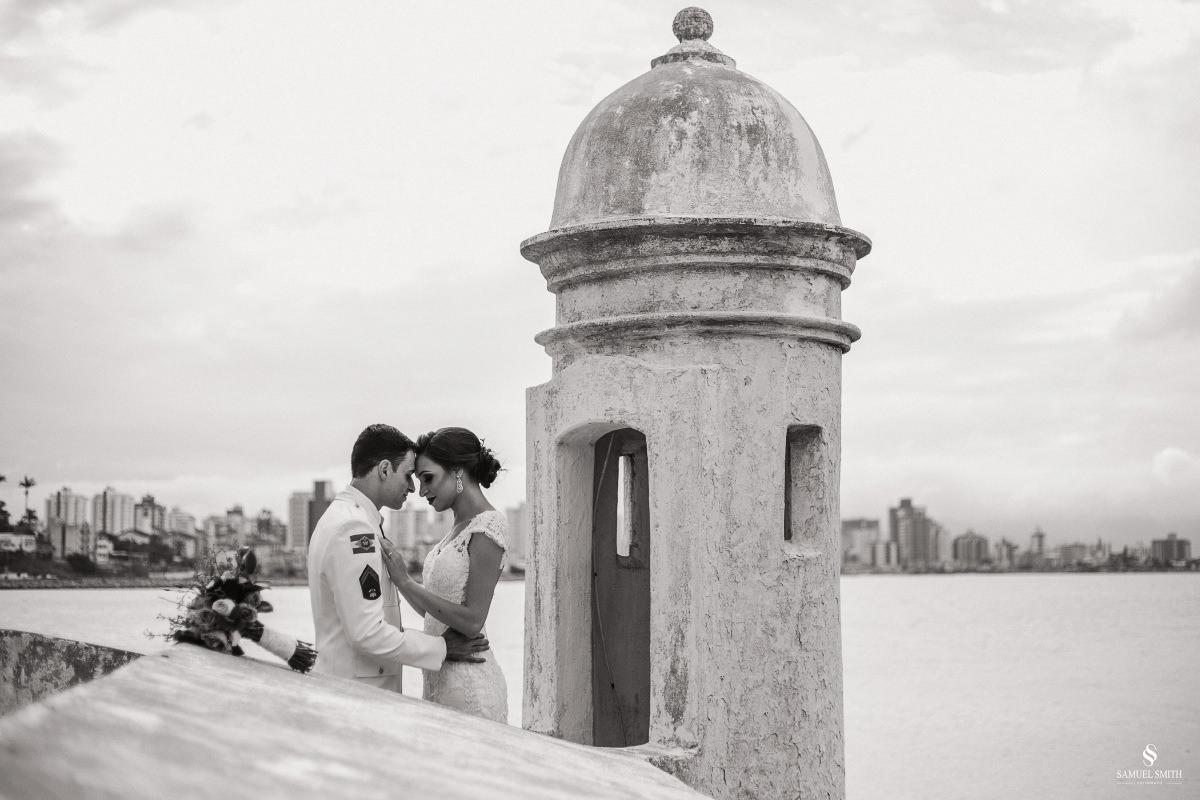 casamento ensaio fotográfico florianópolis praia da joaquina bombeiros floripa book casal noivos fotógrafo (7)
